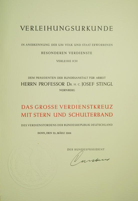 Urkunde aus dem Besitz des Dr. rer. publ. h.c. Josef Stingl.